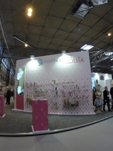 One of Enesco's many stands - you'll find PixSell on every one!